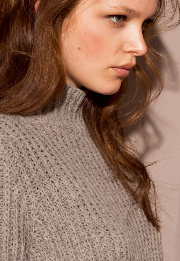 Lana Grossa PULLOVER in Merino Air