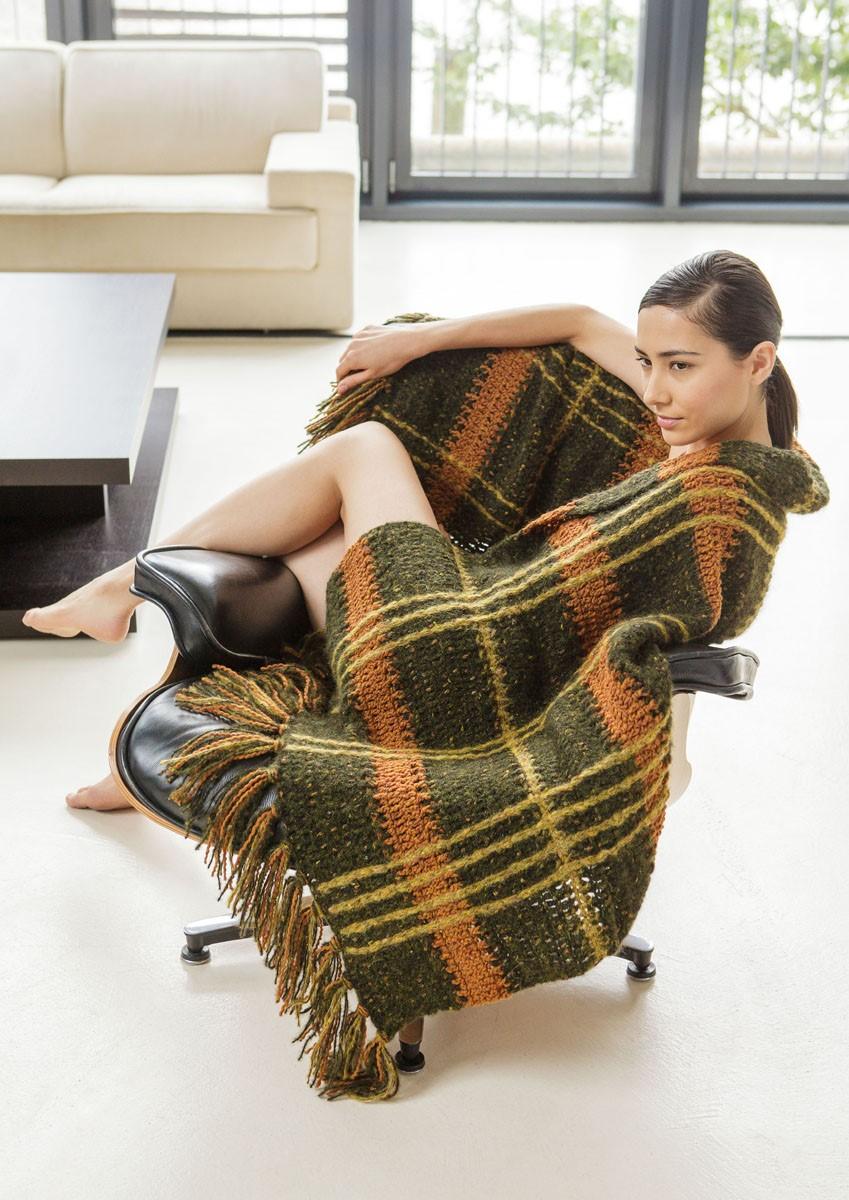 Lana Grossa CROCHETED BLANKET Fluffy/Royal Tweed