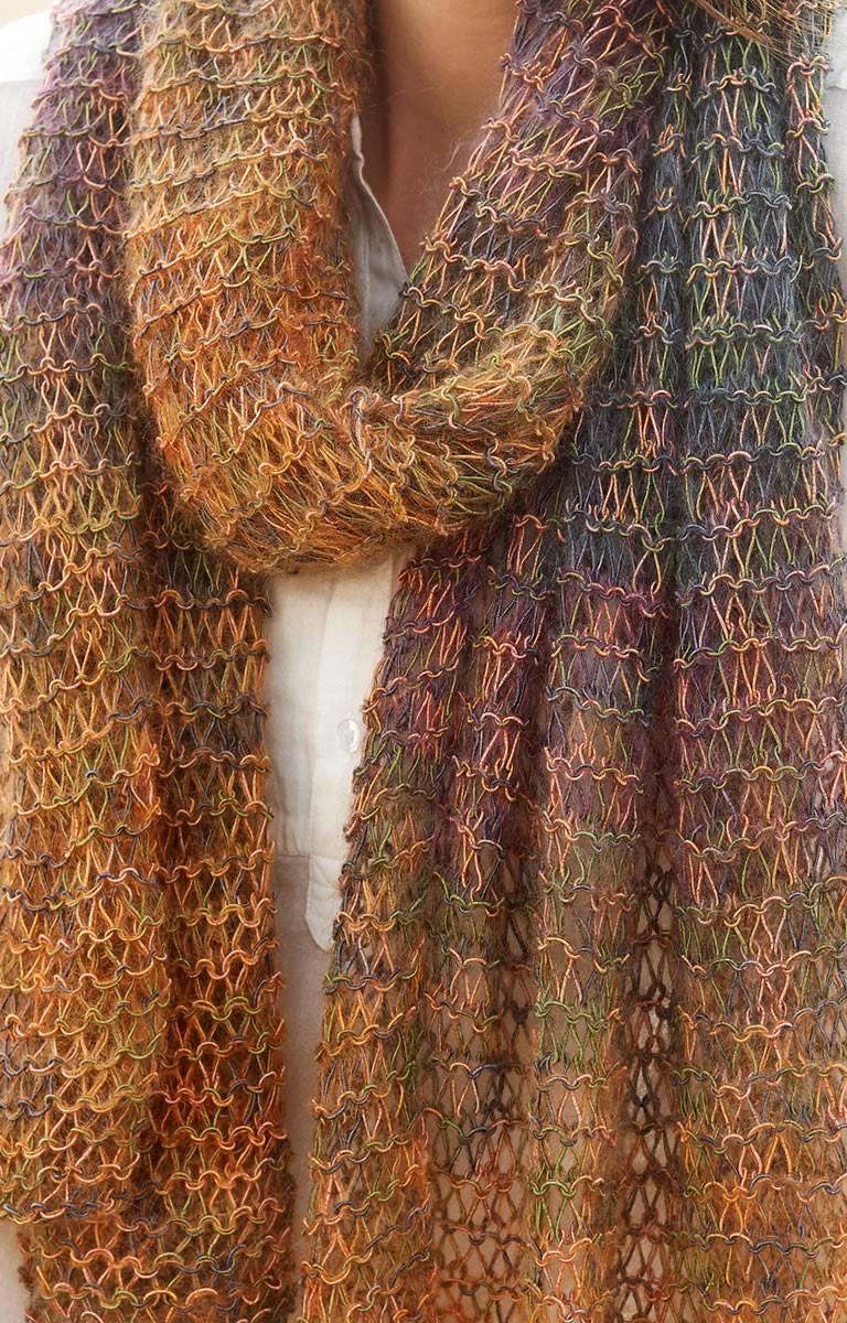 Lana Grossa SCARF IN GARTER DROP STITCH PATTERN Silkhair Print/Secondo Print II