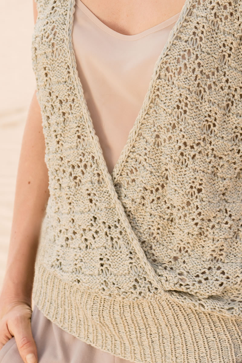 Lana Grossa TOP WITH OVERLAPPING FRONT IN LACE PATTERN Doppio FILATI No. 49...