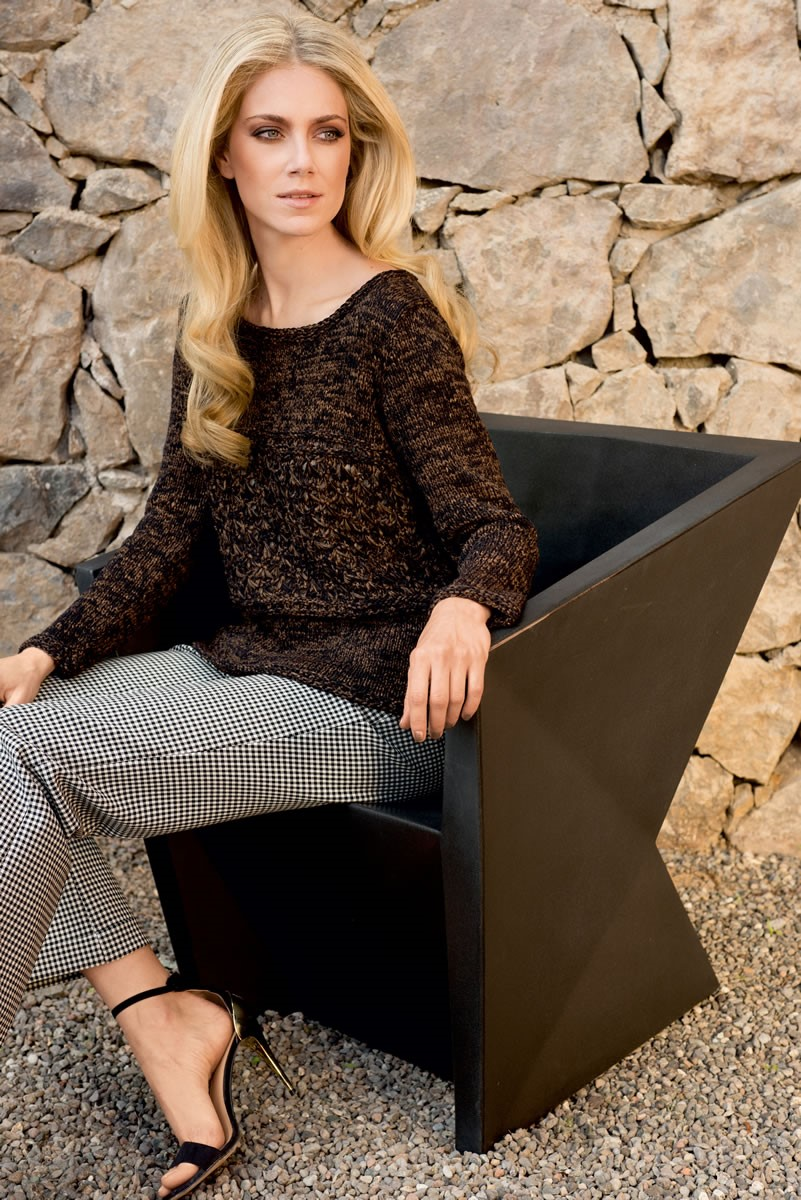 Lana Grossa PULLOVER WITH DROP STITCH PATTERN INSET Roma