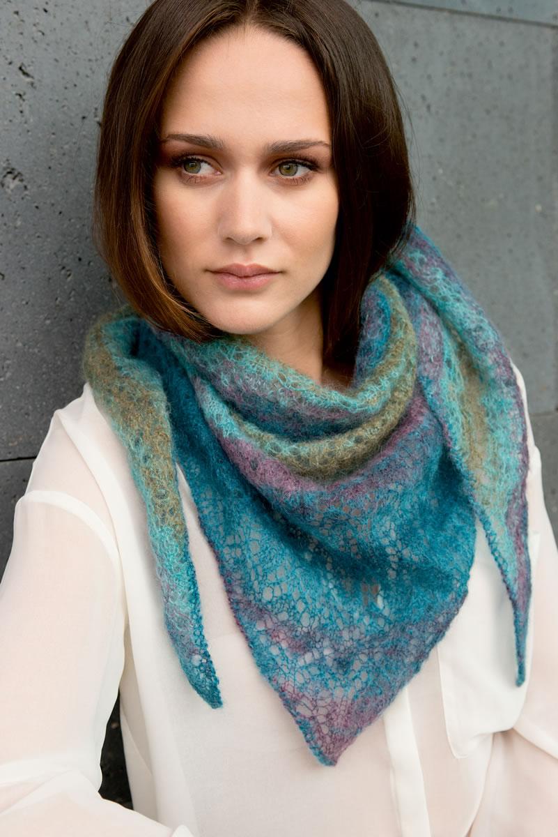 Lana grossa triangular shawl silkhair print filati no 49 spring summer 2015 magazine de - Lana grossa diva ...