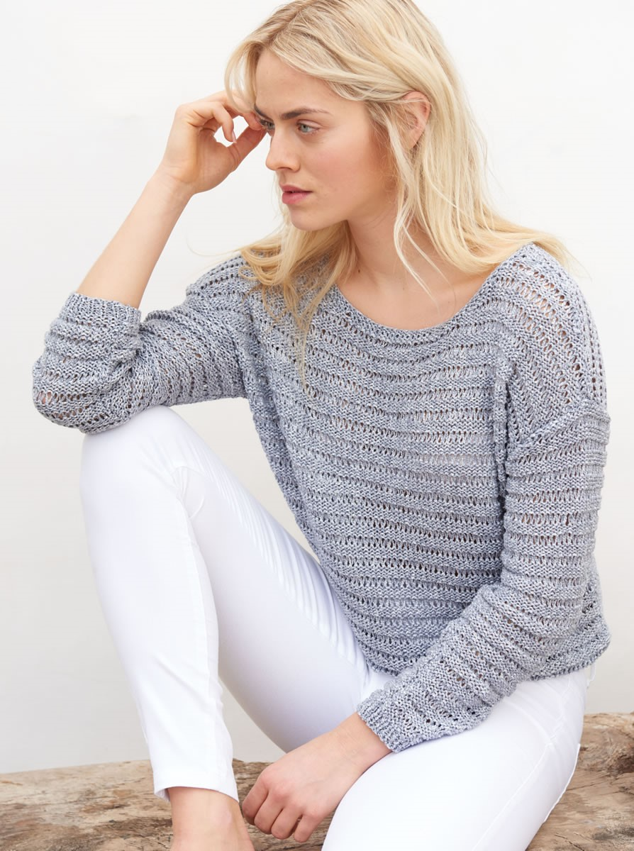Lana Grossa PULLOVER IN ELONGATED STITCH PATTERN Denim